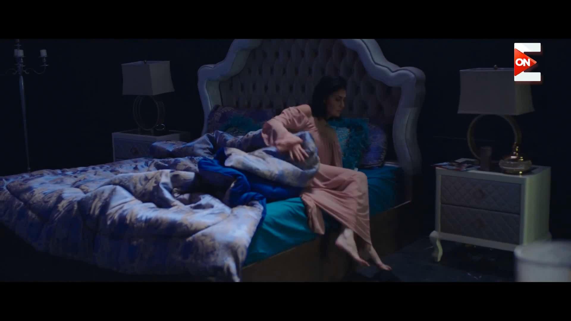 مين عاوز يكون تحت اقدام الملكه غاده عبالرازق لما تقوم من سريرها -ارض جو